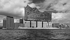 Hamburg, Elbphilharmonie (rotraud_71) Tags: hamburg bw elbphilharmonie buildings water sky clouds summer