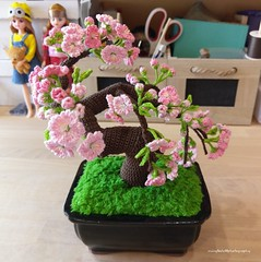 IMAG5895 (Mingle Doll 鳴娃娃) Tags: crochet crochetcherryblossom crochetcherryblossombonsai crochetbonsai crochetbonsaitree crochetamigurumi amigurumi crochetaddict crochetart crochetflower crochettree redheartyarn dmcthreads 鉤織 櫻花 盆栽 アミグルミ 编みぐるみ mingledoll