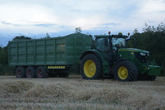 John Deere 6215R Tractor with a Broughan Engineering Mega HiSpeed Trailer (Shane Casey CK25) Tags: john deere 6215r tractor with broughan engineering mega hispeed trailer jd green castlelyons traktor tracteur traktori trekker trator ciągnik grain harvest grain2018 grain18 harvest2018 harvest18 corn2018 corn crop tillage crops cereal cereals golden straw dust chaff county cork ireland irish farm farmer farming agri agriculture contractor field ground soil earth work working horse power horsepower hp pull pulling cut cutting knife blade blades machine machinery collect collecting nikon d7200