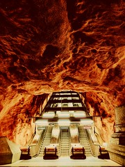 Highway to hell - Radhuset metro Station @ Stockholm (Made Bulkes) Tags: stockholm estocolmo metro subte subway radhuset fire fuego rojo red