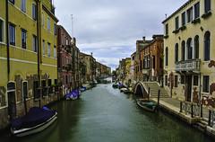 Venedig - Impressions from Venice (3) (Kat-i) Tags: venedig venice venezia italien italy stadt city wasserstrasen kanäle channels häuser buildings boote boats nikon1v1 kati katharina 2018 unescoweltkulturerbe unescoworldheritage unesco
