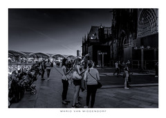 peaceful afternoon (MvMiddendorf) Tags: cologne cathedral mainstation blackandwhite authentic urban
