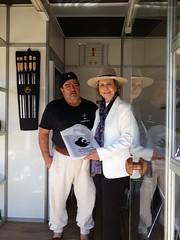 28/08/18 - Visita a 41ª Expointer em Esteio. Recebendo mimo na Cutelaria Alano.