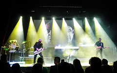 Howard Jones @ Manchester Ritz 24.11.17 (eskayfoto) Tags: panasonic lumix lx3 gig music concert live band stage tour manchester lightroom manchesterritz ritz theritz howard jones howardjones hojo p1640637editlr p1640637
