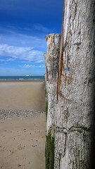Sangatte beach (Mawel.P) Tags: week9 nokia lumia 1020 sun sea wood beam sand boat ferry wind pasdecalais 62 france oak