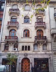 Retiro, Buenos Aires. (Ramona Anitsuga) Tags: edificio building retiro buenosaires argentina streetphotography