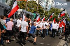 Rudolf-Heß-Gedenkmarsch 2018: Mord verjährt nicht! Gebt die Akten frei! Recht statt Rache  und Gegenprotest: Keine Verehrung von Nazi-Verbrechern! NS-Verherrlichung stoppen! – 18.08.2018 – Berlin –IMG_6274 (PM Cheung) Tags: rudolfhessmarsch wwwpmcheungcom berlin mordverjährtnichtgebtdieaktenfreirechtstattrache neonazis demonstration berlinspandau spandau friedrichshain hesmarsch rudolfhes 2018 antinaziproteste naziaufmarsch gegendemonstration 18082018 blockade npd lichtenberg polizei platzdervereintennationen polizeieinsatz pomengcheung antifabündnis rechtsextremisten protest auseinandersetzungen blockaden pmcheung mengcheungpo pmcheungphotography linksradikale aufmarsch rassismus facebookcompmcheungphotography keineverehrungvonnaziverbrechernnsverherrlichungstoppen antifaschisten mordverjährtnicht rudolfhesmarsch sitzblockaden kriegsverbrechergefängnisspandau nsdap nskriegsverbrecher geschichtsrevisionismus nsverherrlichungstoppen hitlerstellvertreterrudolfhes 17august1987 rathausspandau ichbereuenichts b1808 festderdemokratie verantwortungfürdievergangenheitübernehmen–fürgegenwartundzukunft rudolfhessmarsch2018 rudolfhesgedenkmarsch rudolfhesgedenkmarsch2018