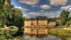 Schloss Dyk (petra.foto busy busy busy) Tags: schloss dyk nrw nordreinwestfalen sommer sonne wolken schlosspark wochenende fotopetra canon 5dmarkiii wasserschloss bäume park landesgartenschau2002
