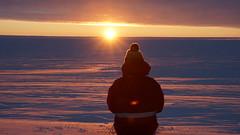 Paul Zabel beim ersten Sonnenaufgang nach der Polarnacht