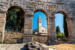 Amphitheatre & Sveti Antun (rwfoto_de) Tags: entax da 15 hd ltdamphitheaterkroatiensehenswürdigkeitenpulaeuropaurlaubistrienistarska županija hr kirche church