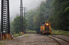Light Workload (Wheelnrail) Tags: conemaugh black lick cbl train trains sw7 locomotive emd old switcher fog pennsylvania johnstown gondola railroad railway yellow light work