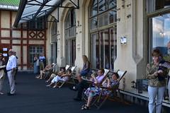 Südbahnhotel (anuwintschalek) Tags: nikond7200 18140vr suvi sommer summer august 2018 austria niederösterreich semmering südbahnhotel kultursommersemmering waldhofsaal terrass terrasse dachterrasse waldhofterrasse liegestuhl lamamistool