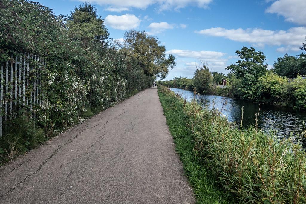 A WALK ALONG THE ROYAL CANAL [THE CRESCENT PARK AREA NEAR ASHTOWN]-143997