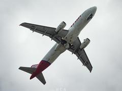 PR-MBQ Latam Airlines (Rodrigo C Arruda) Tags: airbus a320 airplane flight decolagem takeoff aviao latam brasil plane spotting