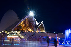 Sydney Opera House (Theo Crazzolara) Tags: sydney operahouse opera architecture vividsydney vivid night light party fridaynight australia newsouthwales traveling people longexposure