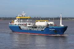 Sefarina (das boot 160) Tags: sefarina lpg tanker tankers ships river rivermersey sea ship docks docking dock port boats boat mersey merseyshipping maritime