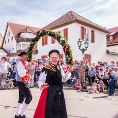 Winzerfest_Umzug_184 (alexanderanlicker) Tags: auggen badenwürttemberg breisgauhochschwarzwald deutschland europa trachtenundbrauchtumsumzug umzug wein weinfest winzerfest winzerfestumzug