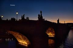República Tcheca - Praga, Fim de tarde na Ponte Carlos! (jvaladaofilho) Tags: valadaoj cz praga pontecarlos cenasurbanas cityscape streetview streetphotography
