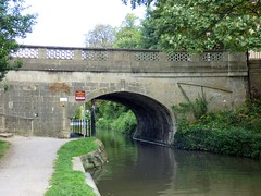 P1060454 (KENS PHOTOS2010) Tags: kennet avon canal water boats locks bridges tunnels