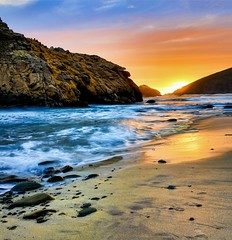 A walk on the violet beach (Gio_guarda_le_stelle) Tags: bigsur wonderland california usa sunset water sand violet sun sky clouds landscape tramonto