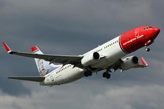 "LN-NOH | Boeing 737-86N/W | Norwegian Air Shuttle ""Selma Lagerlöf - Swedish Artist"" (cv880m) Tags: oslo gardermoen osl aviation airliner airline aircraft airplane jetliner selmalagerlöf lnnoh boeing 737 738 737800 73786n norwegian norshuttle rednose norwegianairshuttle sweden artist tailfinhero winglet norway"