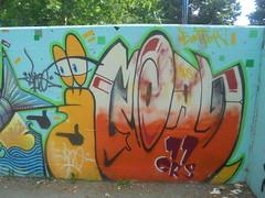 428 (en-ri) Tags: moans taco cnr 11 giallo arancione arrow lumaca parco dora torino wall muro graffiti writing