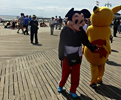 Mickey Hand Slap (Robert S. Photography) Tags: costumedcharacters mickeymouse boardwalk summer coneyisland beach nyc brooklyn sony dscwx150 iso100 august 2018
