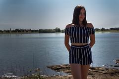 IMG_6300 (Moncoinphoto) Tags: lac photo picture paysage pic portrait été summer france fr ciel fille shooting femme model pose bleu eau water vert manequin photogrape photographie canon canon650d 18mm 50mm lake