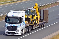 NK67 WDP (Martin's Online Photography) Tags: mercedes actros mp4 truck wagon lorry vehicle freight haulage commercial transport a1m northyorkshire nikon nikond7200