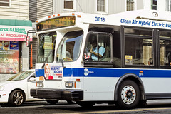 r_180901021_beat0073_a (Mitch Waxman) Tags: astoriaqueens broadway bus mta newyorkcity q104 queens newyork
