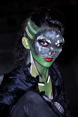 Retrato en verde / green portrait (cogozalez1) Tags: retrato belleza españa españaenafrica espectaculo gente juglar joven melilla nortedeafrica noche nocturno night spain street sxxi 2014 maquillaje z