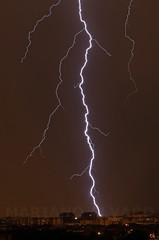 Tormenta en Madrid 3 (Mariano Alvaro) Tags: tormenta rayos madrid cielo rayo noche luces edificios