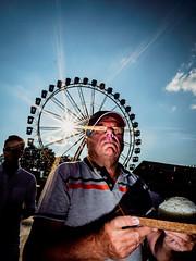 Menschen im Olympiapark Sommer 18 - Party im Park (75).jpg (Ralphs Images) Tags: streetphotography moods mft menschen olympuszuikolenses ralph´simages stimmungen panasoniclumixg9
