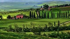 Casa rossa (giannipiras555) Tags: toscana colline