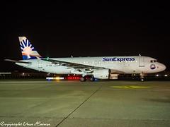 SunExpress LY-VEB HAJ at Night (U. Heinze) Tags: aircraft airlines airways airplane flugzeug planespotting plane haj hannoverlangenhagenairporthaj night eddv olympus 1240mm