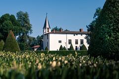 Château de la Bâtie d'Urfé (mick42m) Tags: castle canon canon77d canonfrance loire loireforez france landscape tree bluesky chateau batiedurfé saintetiennelemolard