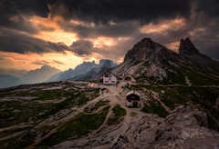 Drei Zinnen Hütte (Croosterpix) Tags: landscape mountains sunset sky clouds cabin sony a7r nikkor1835 hiking dolomiti dolomites
