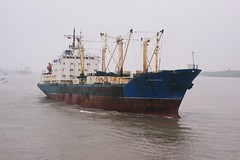 Russian freighter (hugh llewelyn) Tags: yangtzeriver