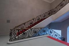 Old Staircase (Frank Guschmann) Tags: treppe treppenhaus staircase stairwell escaliers stairs stufen steps architektur frankguschmann nikond500 d500 nikon