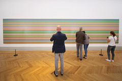(atomareaufruestung) Tags: gerhardrichter museum canon abstract 2018 september summer sommer inside colors colours colorful different watching takingpictures room sigma 10mm 1020mm canoneos7dmarkii iso1000 sunday sundays sonntag stripes jacket couple europa europe jeans sneakers tshirt clothing barberini