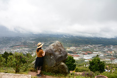 _DSC6606 (Quyr) Tags: dalat vietnam green smoke frog cloud tree forest langbiang lamdong portrait thunglungvang duonghamdatset