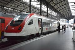 RABDe500 at Luzern (EdWalton) Tags: rabde500006 rabde500 luzern elements switzerland sbb