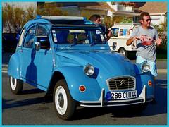 Vieilles voitures à l'Immaculée St-Nazaire (CorcuffR) Tags: immaculée st saint nazaire vieille voiture 2cv fete automne simca ariane