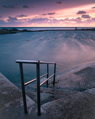 Bude Sea Pool, Cornwall (S.R.Murphy) Tags: august2018 bude cornwall budeseapool pool sea seapool water longexposure dusk evening eveninglight fujifilmxt2 fujifilmxf1855mm leefilters lee06ndgrad steps swimming swimmingpool outdoorpool summerleazebeach ocean sky beach sand