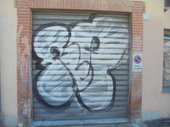 912 (en-ri) Tags: ra bianco nero firenze wall muro graffiti writing serranda throwup