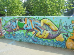 belìn moans (en-ri) Tags: tako pesce giallo azzurro parco dora torino wall muro graffiti writing fish
