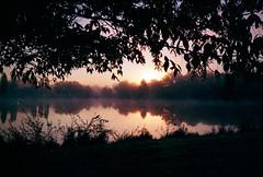 Sunrise (herbdolphy) Tags: argentique analogique analog sunrise 35mm pellicule film filmisnotdead fuji c200 canon af35mii af35m