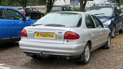 Oxford, Oxfordshire - England (Mic V.) Tags: 1996 ford mondeo ghia x 16v hatchback silver american car voiture p788hvx