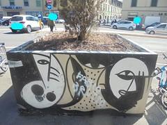 750 (en-ri) Tags: occhi eyes banco nero rosa firenze wall muro graffiti writing astrattismo