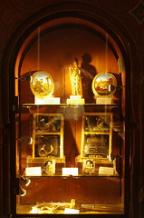 JLF19658 (jlfaurie) Tags: organ organo vitrales hautevienne limousin pentaxk5ii cathédrale vitraux saintetienne limoges mpmdf virgennegra blackvirgin taintedglass jlfr viergenoire mechas